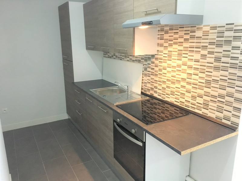 Rental apartment Pierrelaye 630€ CC - Picture 2