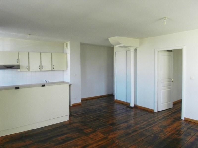 Rental apartment Cognac 438€ CC - Picture 1