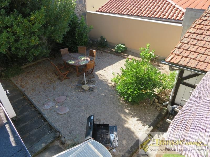 Sale house / villa Puy guillaume 97 650€ - Picture 1