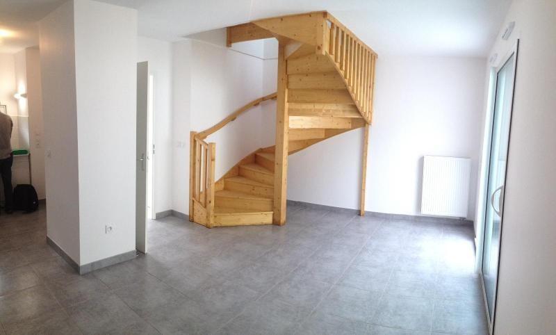 Location appartement Fargues saint hilaire 662€ CC - Photo 3