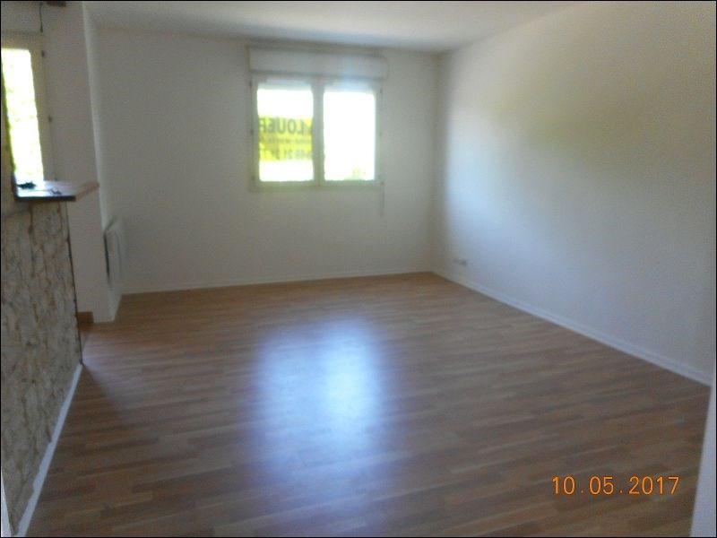 Rental apartment Draveil 634€ CC - Picture 1