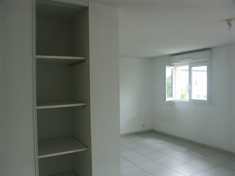Rental apartment Tarbes 382€ CC - Picture 2