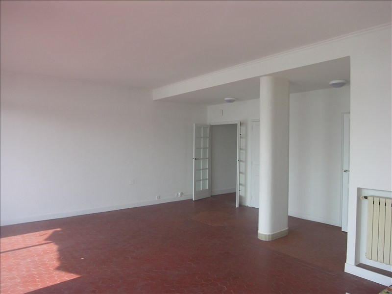 Location appartement Toulon 1 060€ CC - Photo 4