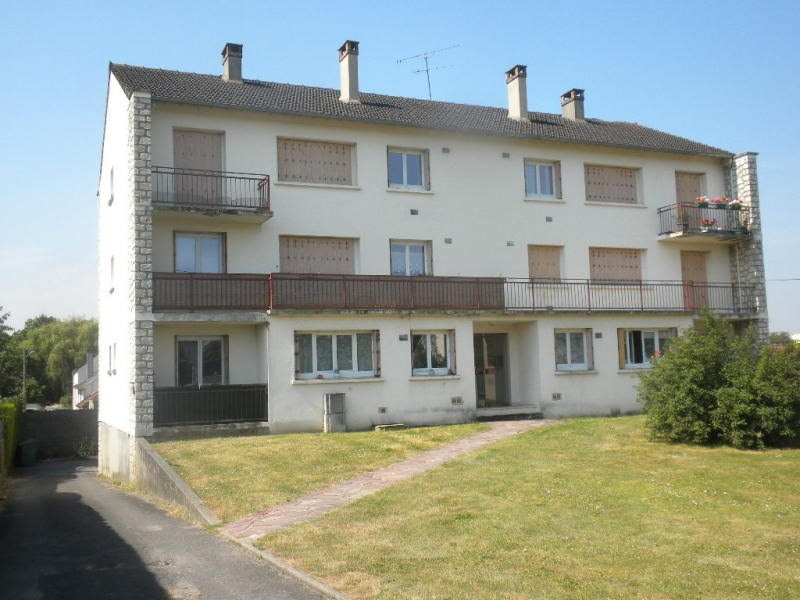Rental apartment Ballancourt sur essonne 920€ CC - Picture 1