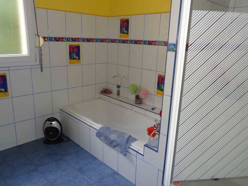 Sale house / villa Plounevez quintin 138300€ - Picture 12