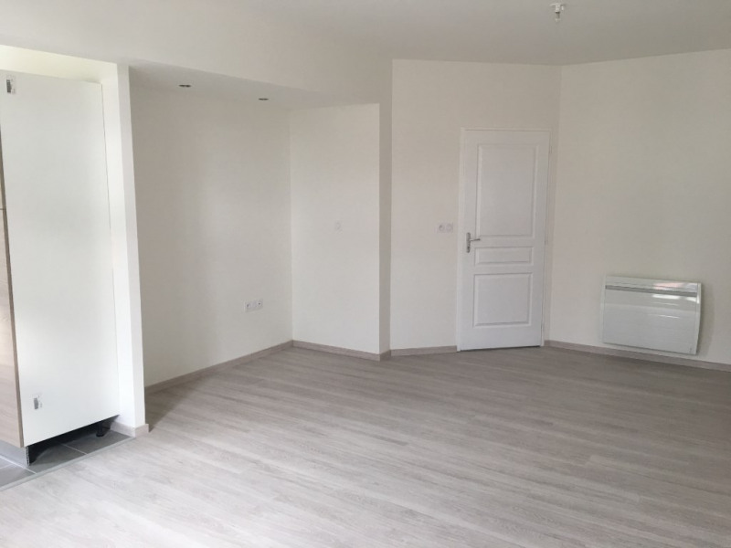 Location appartement Saint omer 810€ CC - Photo 2