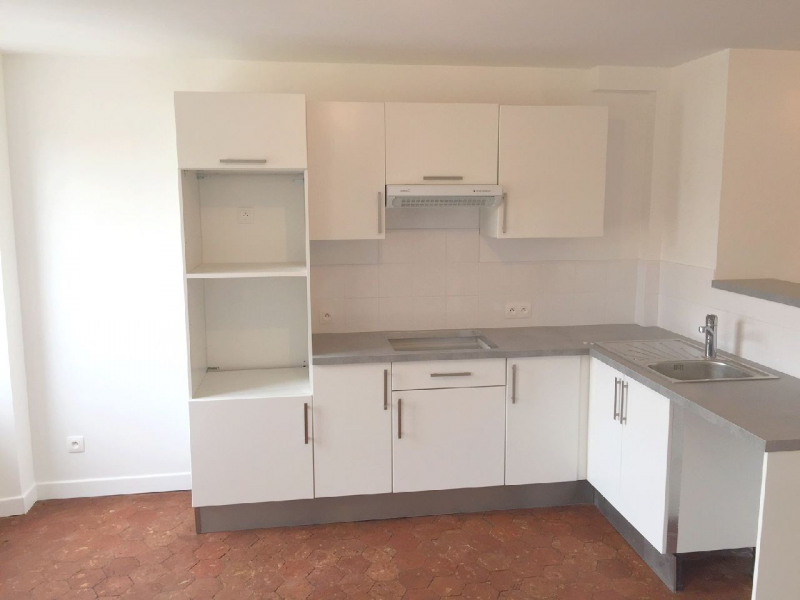 Rental apartment Neuilly en thelle 887€ CC - Picture 1