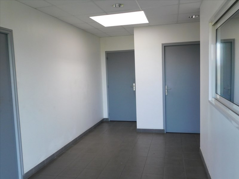 Rental empty room/storage Fougeres 3 450€ HT/HC - Picture 3