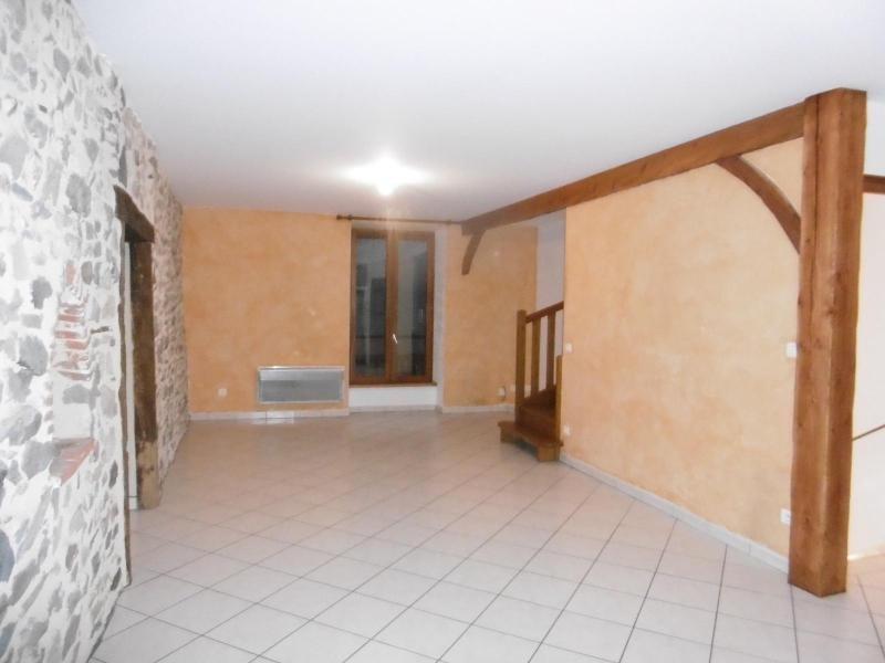 Location appartement Joux 600€ CC - Photo 1