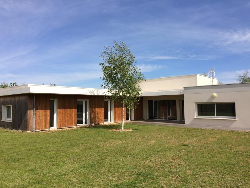 Location maison / villa Chasseneuil du poitou 1200€ CC - Photo 3