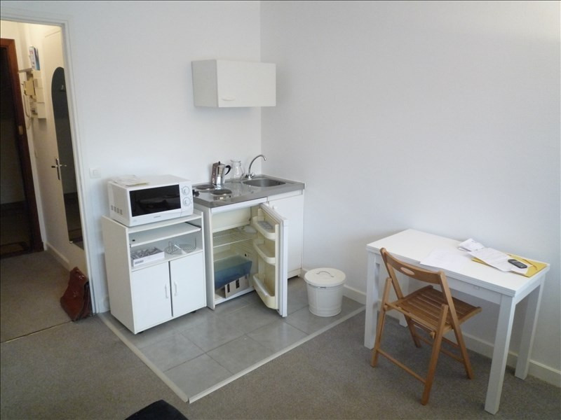 Rental apartment Garches 469€ CC - Picture 2