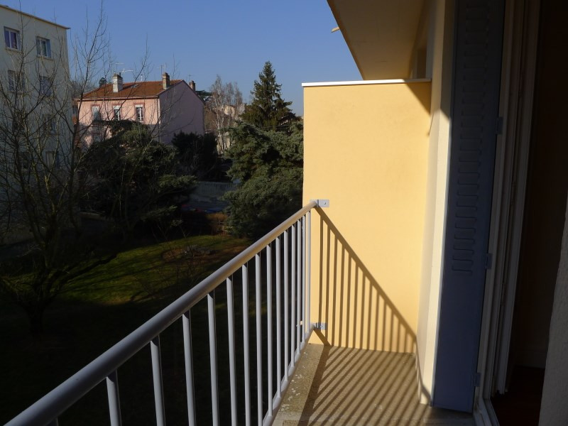 Rental apartment Oullins 670€ CC - Picture 2