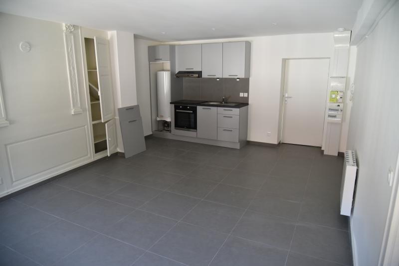 Location appartement Nantua 360€ CC - Photo 3
