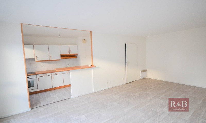 Vente appartement Plaisir 180000€ - Photo 2
