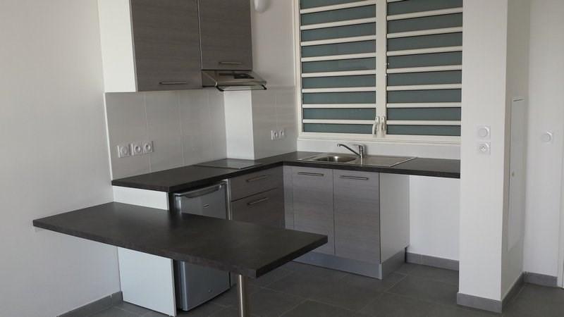 Location appartement St denis 603€ CC - Photo 3