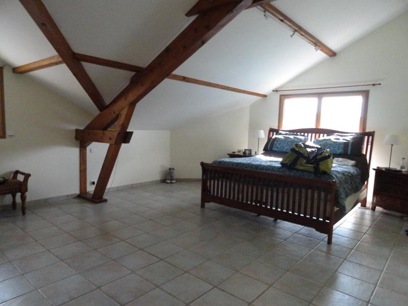 Location maison / villa St julien en genevois 2800€ CC - Photo 4