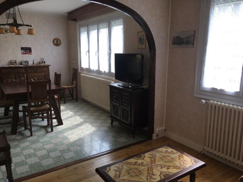 Sale house / villa Laval 107400€ - Picture 4