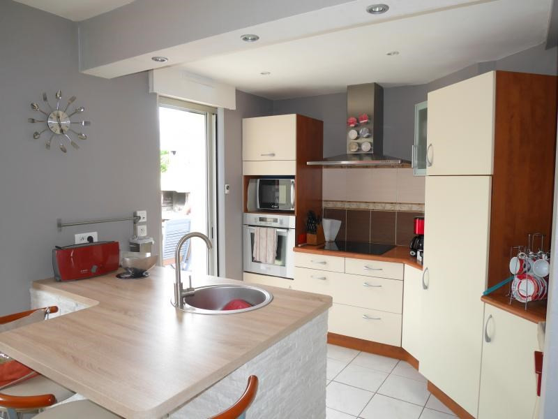 Sale house / villa Le verger 240 350€ - Picture 4