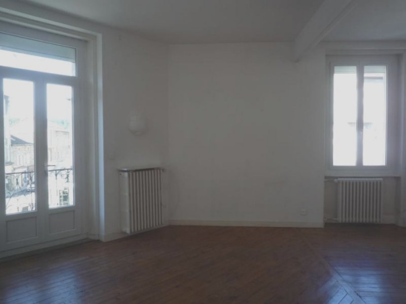 Rental apartment Le chambon sur lignon 380€ CC - Picture 2