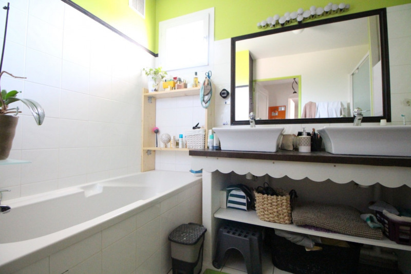 Sale apartment Brié-et-angonnes 288000€ - Picture 9