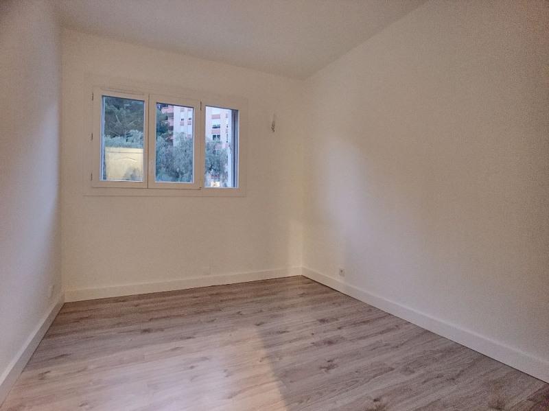 Sale apartment Saint laurent du var 278000€ - Picture 4