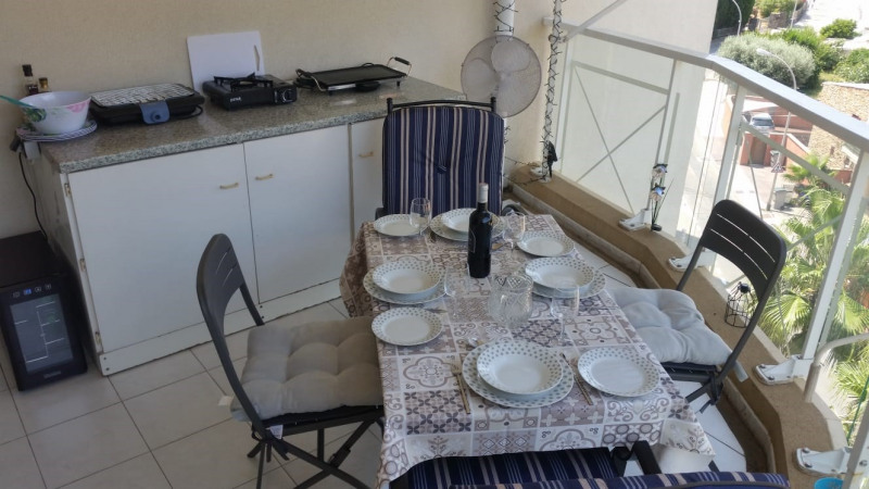 Vacation rental apartment Cavalaire sur mer 300€ - Picture 2