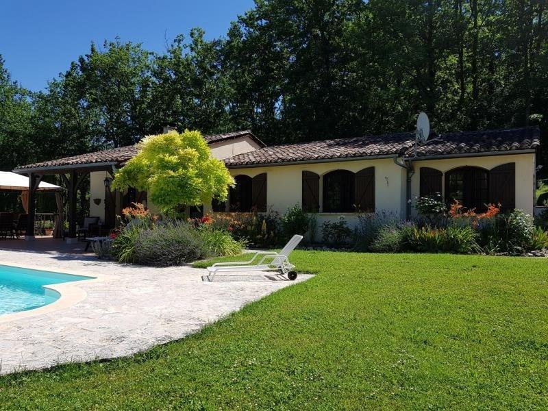 Sale house / villa Beauville 252000€ - Picture 1