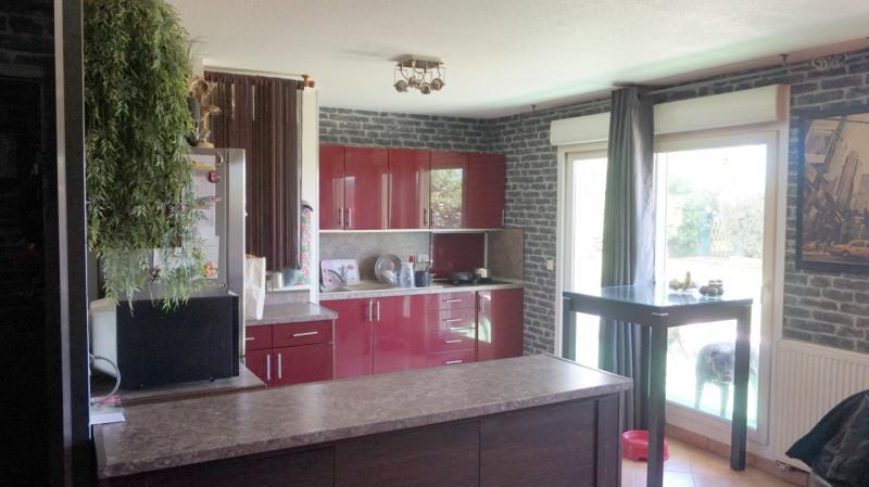 Sale apartment Cranves sales 299000€ - Picture 2