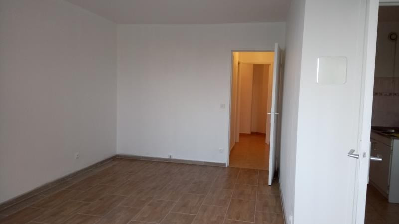 Rental apartment Evry 675€ CC - Picture 2