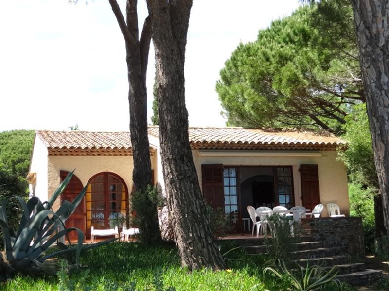Vacation rental house / villa Cavalaire sur mer 900€ - Picture 8