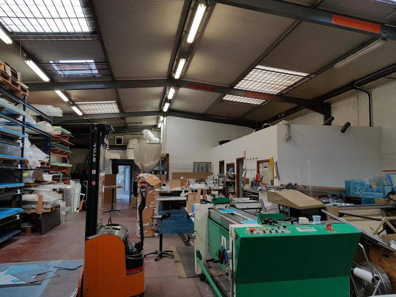 Rental empty room/storage Saint-martin-d'hères 2062€ CC - Picture 2