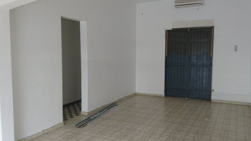 Location local commercial St benoit 1 150€ HC - Photo 5