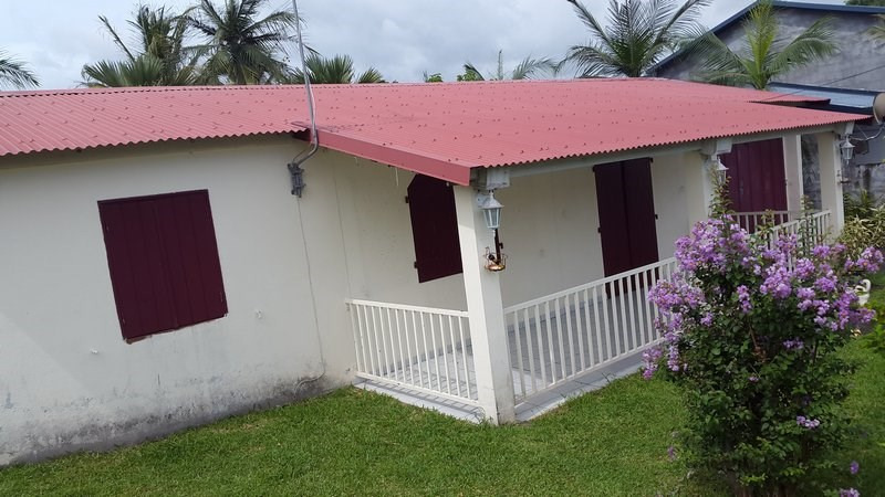 Sale house / villa Bras panon 168000€ - Picture 2