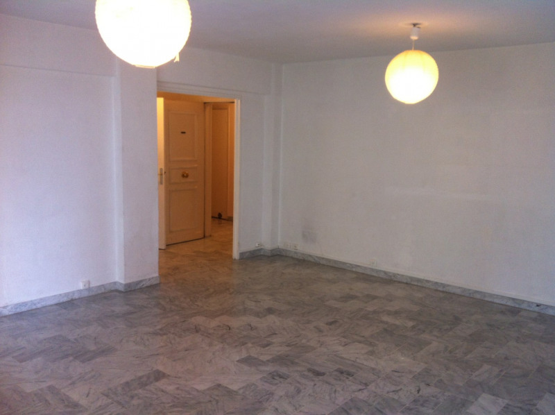 Location appartement Nice 995€ CC - Photo 2