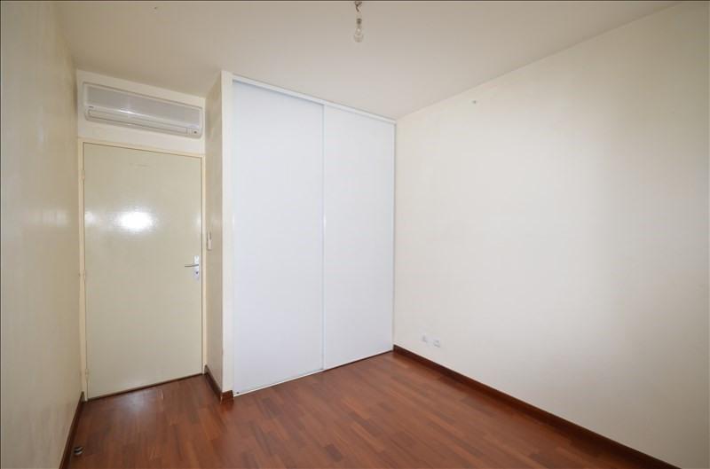 Rental apartment Saint pierre 708€ CC - Picture 2