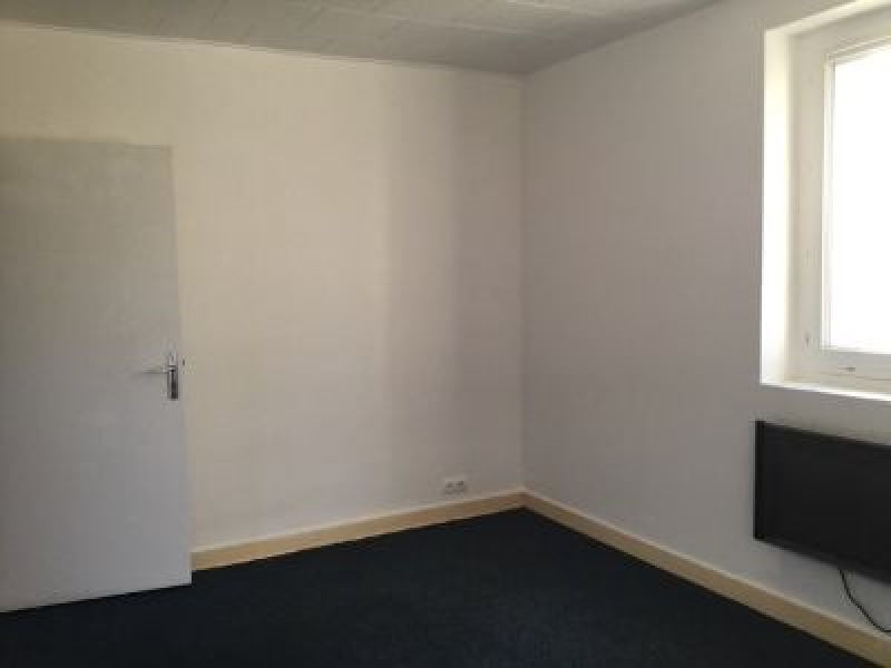 Rental apartment St genis laval 418€ CC - Picture 2