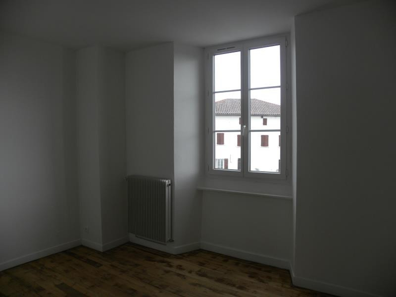Rental apartment Garris 490€ CC - Picture 3