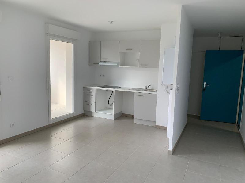 Rental apartment Jassans riottier 710€ CC - Picture 3
