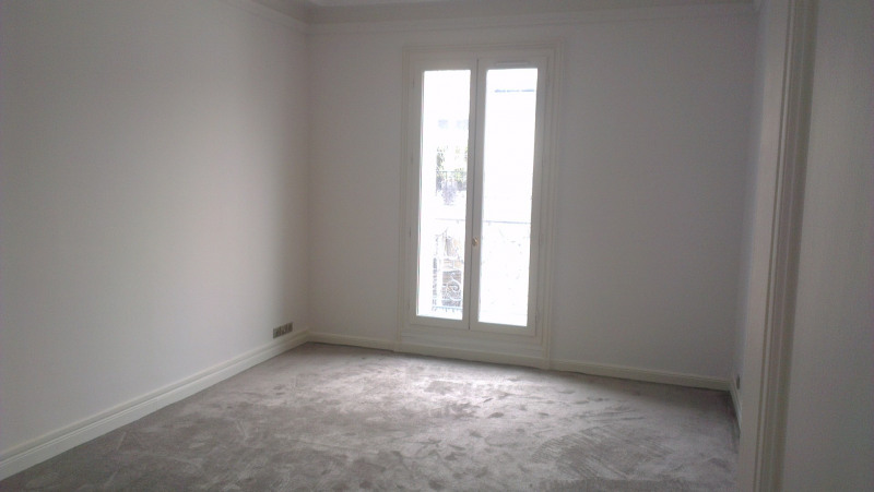 Location appartement Paris 17ème 5 690€ CC - Photo 8