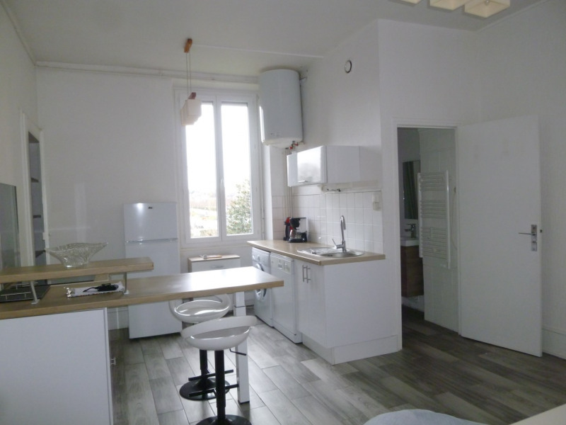 Rental apartment Oullins 642€ CC - Picture 3