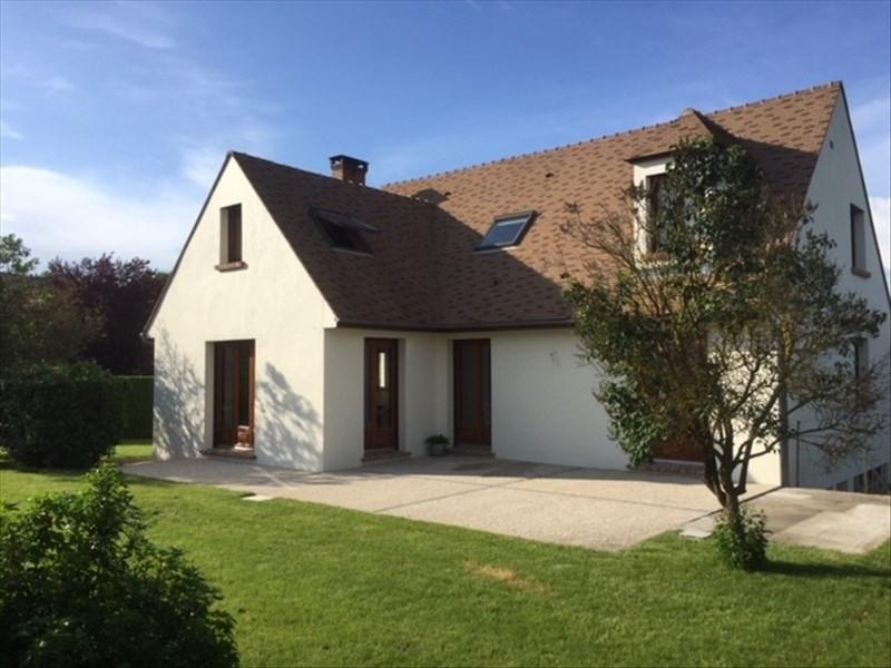 Sale house / villa Montfort l amaury 584000€ - Picture 1