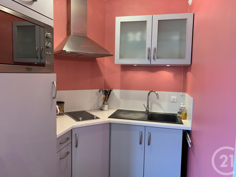 Verkoop  appartement Deauville 112000€ - Foto 5