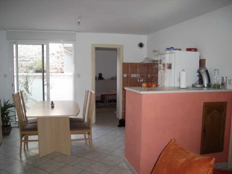 Location appartement Roussay 428€ CC - Photo 1