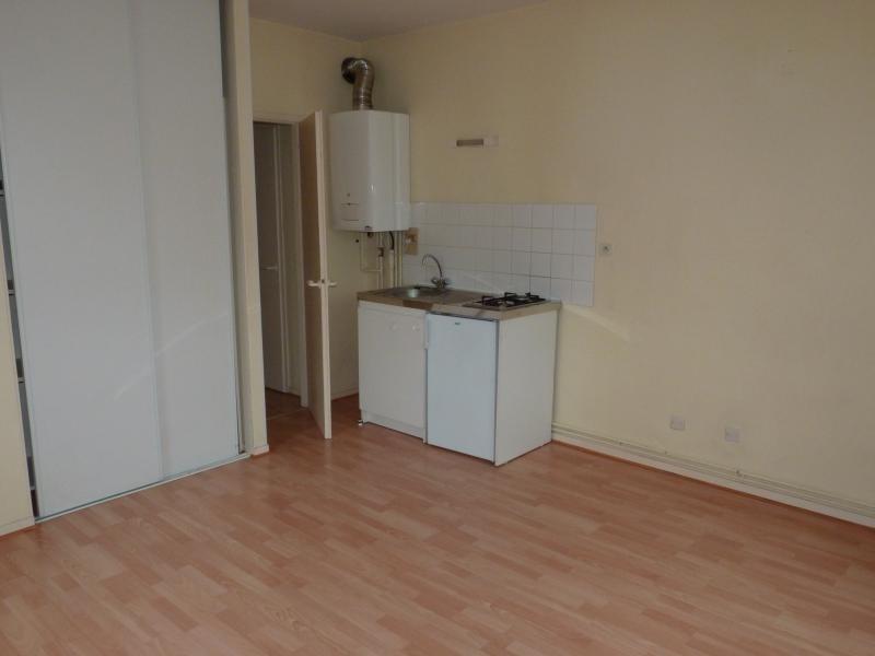 Rental apartment La roche sur yon 410€ CC - Picture 1