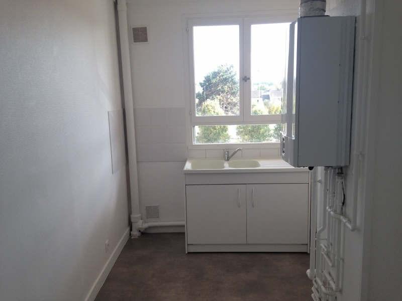 Rental apartment Maurepas 772€ CC - Picture 2