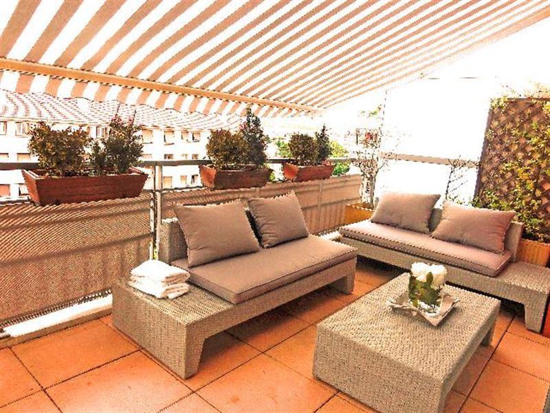 Deluxe sale apartment Villeurbanne 555000€ - Picture 1