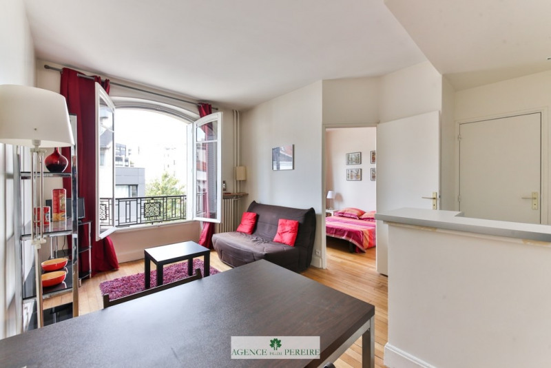 Sale apartment Paris 17ème 379 000€ - Picture 1