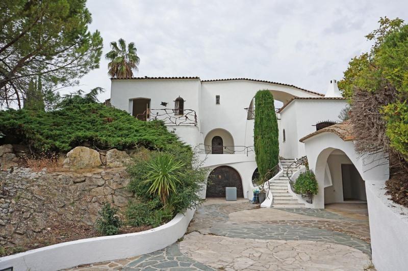 Deluxe sale house / villa Le plan-de-grasse 1489000€ - Picture 1