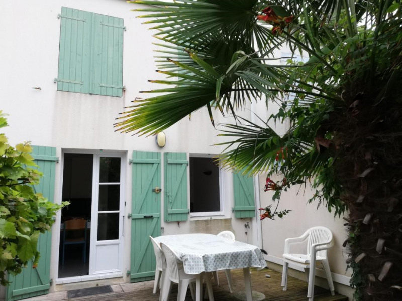 Sale house / villa La flotte 266000€ - Picture 1