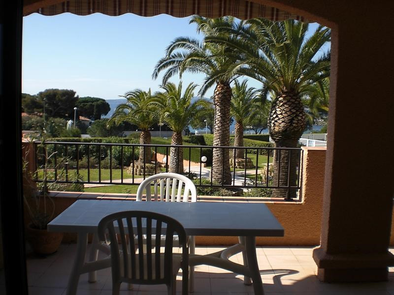 Vacation rental apartment Les issambres 875€ - Picture 3